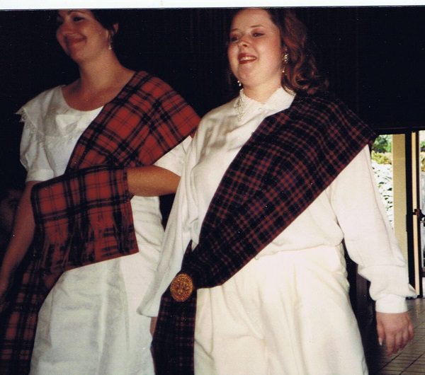 daughters-born-into-the-clan-wear-their-clan-tartan-on-left-shoulder